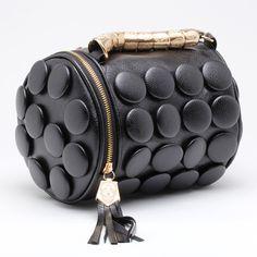 Bolsa Tipo Cartero Cilindrica Negra Modelo C002n – 1