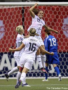 the fist pump Fist Pump, Alex Morgan, Press Photo, Athletic Women, Beautiful Celebrities, Athletes, Champion, Soccer, Chic