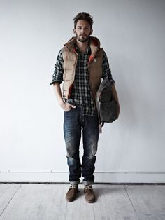 Flannels are not just for the casual look. if done correctly, wearing a flannel with a tie can really look good! enjoy our collection of plaid flannel Rugged Style, Winter Outfits Men, Fall Outfits For Work, Dockers, Outfit Trends, Hoodie Outfit, Mens Fashion Suits, Fashion Menswear, Men's Fashion