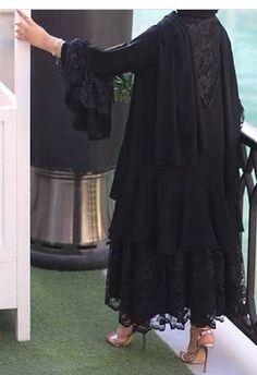 Abaya Fashion, Muslim Fashion, Modest Fashion, Fashion Dresses, Mode Abaya, Iranian Women Fashion, Sleeves Designs For Dresses, Abaya Designs, Pakistani Dresses