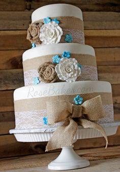 lace and burlap rustic themed wedding cakes