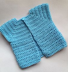 Ravelry: Simple Baby Cardigan pattern by Vicky Coleman Crochet Baby Sweaters, Crochet Cardigan, Crochet Clothes, Baby Knitting, Cardigan Pattern, Baby Cardigan, Toddler Outfits, Boy Outfits, Crochet Bebe