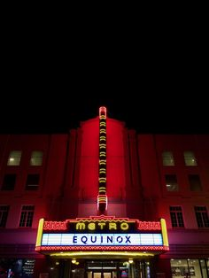 Neon dreams: 16 old movie theater marquees around the Bay Area - Curbed SF Cinema Architecture, Midnight Show, Retro Signage, New England Fall, Neon Lighting, Old Movies, Movie Theater, Sign Design, Vintage Signs