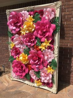 Paper Flower Wall and Frame, that is stunning and possible to recreate. Paper Flower Backdrop Wedding, Paper Flower Centerpieces, Flower Wall Wedding, Wedding Centerpieces, Tissue Paper Flowers, Paper Flower Wall, Giant Paper Flowers, Diy Flowers, Flower Wall Rental
