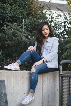 Looking for tips on how to wear the Canadian tuxedo without overdoing it? Here are tips on how to rock the denim on denim look. Winter Fashion Casual, Casual Winter Outfits, Chic Outfits, Fashion Outfits, Fashion Clothes, Denim On Denim Looks, Denim Style, Canadian Tuxedo, Fall Outfits For Work