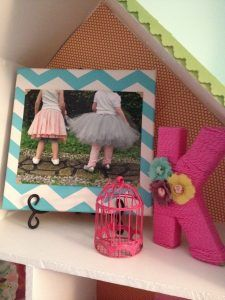 I love this DIY Canvas Picture Holder. I also adore projects that only take a few supplies! Create several of these adorable picture holders that allow you to easily change out the photos. Combine different patterns to create a stunning conversation piece in an room in your home. They would also make a great gift idea too!