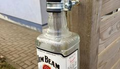 DIY - JACK DANIELS Petrolium Lampe selbst gebaut » DeissenBlog Beams, Vodka Bottle, Jack Daniels Bottle, Bottle Candles, Flasks, Crafting, Exposed Beams