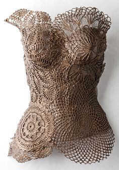 "(Note to self) attach doilies to a cream colored corset (or tank top) to try to recreate this. Could end up being very cool ""Gypsy Boho Chic Steampunk ! Art Mannequin, Mannequin Torso, Manequin, Belly Casting, Crochet Art, Freeform Crochet, Crochet Patterns, Dress Form, Mode Inspiration"