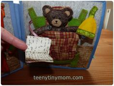 Teddy im Bett - Quiet book Teddy bear in the bed with light and book