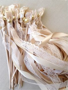 wedding streamers for exit | rustic wedding ideas | wedding exit idea | #weddingchicks