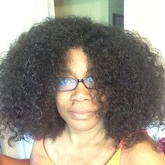 It's so fluffy! Lol I still wish someone else would come over and twist it for me.   #hairstory #texture #nappy #curly #coily #curls #fro #wavy #natural #naturals #kinks #coils #spirals  #hairtype #gotfrizz #mane #hair  #knots #kinky #naturalhair