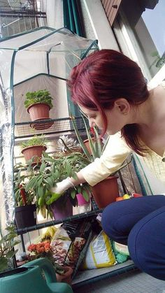 """Ce faci, frumoaso?"" – conversaţii între flori | Huzur Natural Lifestyle, Nature, Naturaleza, Nature Illustration, Off Grid, Natural"