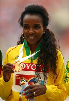 Tirunesh Dibaba (long distance track runner, current Olympic champion in the meter, winner of 4 world track titles and 5 world cross titles) Beautiful Ethiopian Women, Ethiopian Beauty, 2004 Olympics, Summer Olympics, Black Is Beautiful, Most Beautiful, Beautiful Images, Beautiful People, Beautiful Women