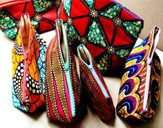 Nothing But the Wax: juillet 2011 African Textiles, African Fabric, African Print Fashion, Africa Fashion, African Accessories, Fashion Accessories, Urban Outfit, Diy Pochette, Moda Afro