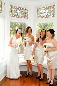 Great Gatsby inspired wedding bridesmaids with champagne dresses and black accessories in Savannah, Georgia | The Wedding Cake House | Anna Kerns Photography annakerns.com
