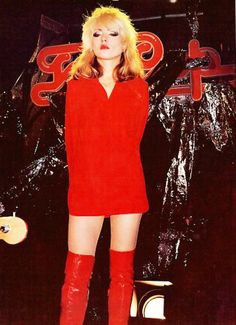 Debbie Harry as Blondie Blondie Debbie Harry, Debbie Harry Style, Look Disco, Pepper Ann, Estilo Rock, Iconic Women, Costume, The Victim, Glam Rock