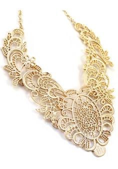 Luxury Golden Hollow-out Bib Necklace