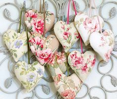 Love these sweet little sachets --easy to make.