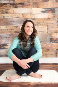 Kayla Eickmeyer Photography :: Menominee MI Senior Photographer :: all natural light :: studio :: sitting pose :: indoors :: senior girl portraits