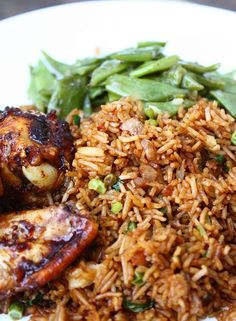Met dit recept, geïnspireerd op de nasi van m… How do you make Surinamese nasi yourself? With this recipe, inspired by the nasi of my Surinam mother-in-law, you make everyone happy at the table. Arroz Frito, Suriname Food, Asian Recipes, Healthy Recipes, Food Porn, Healthy Slow Cooker, Exotic Food, Comfort Food, Indonesian Food