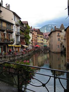Teach Through Educational Travel: Annecy, France