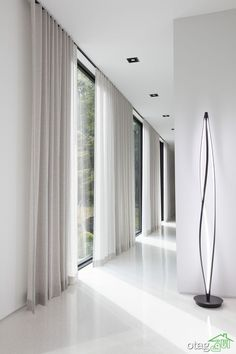 Take a Tour of the Woodland House The Shade Store - Decorative Curtains - Ideas of Decorative Curtains Floor To Ceiling Curtains, Curtains With Blinds, Drapery Panels, Hanging Curtains, Ceiling Curtain Track, Window Blinds, Wood Blinds, Linen Curtains, Curtains Living