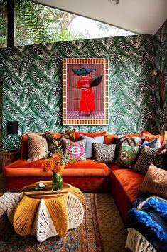 A modern and bright apartment with wooden details interior design,interior design ideas; Tan Sofa, Sofa Skandinavisch, Bohemian Interior Design, Bohemian Decor, Boho Chic, Boho Living Room, Living Room Decor, Living Room Orange, Rosa Sofa