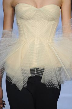 Zac Posen, Spring 2013 details  absolutely love the bustier with the tulle peplum. Genius!