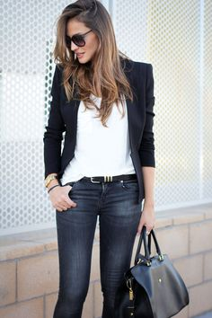 Look casual con giacca nera e jeans. Blazer Outfits Casual, Chic Outfits, Pretty Outfits, Fashion Outfits, Only Fashion, Work Fashion, Casual Chic, Black Jacket Outfit, Look Blazer