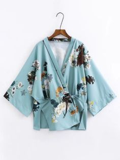 This jacket with long skirt in one of the colours of the jacket, would look fabulous on the bride Shop Split Side Tie Waist Floral Kimono online. SheIn offers Split Side Tie Waist Floral Kimono & more to fit your fashionable needs. Kimono Shirt, Kimono Cardigan, Kimono Jacket, Kimono Top, Kimono Style, Vintage Kimono, Vintage Floral, Kimono Floral, Mode Kimono
