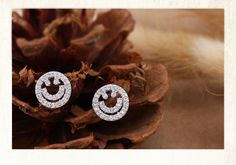 2014 Sparkling Daily Wear Cute Smiling Round Unique Zircon Fashion Stud Earring