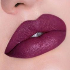 The most beautiful makeup and lipstick designs - 1 Gold colored eye makeup, makeup and different lipstick models are designed and presented for yo. Hot Pink Lipsticks, Lipgloss, Makeup Lipstick, Liquid Lipstick, Lipstick Shades, Lipstick Colors, Lip Colors, Grey Lipstick, Glam Makeup