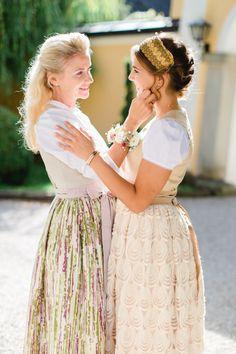 Zauberhafte Inspiration - Braut und Brautmutter am Hochzeitstag | ROSAROT Hochzeiten und Feste