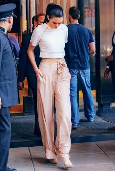 Jenner girls, kendall and kylie jenner, kendall jenner outfits, lauren co. Kendall Jenner Outfits, Kendall And Kylie Jenner, Kardashian, Jenner Girls, Jenner Sisters, Moda Fashion, Perrie Edwards, Vanessa Hudgens, Sonam Kapoor