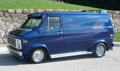 chevy side pipe questions | General Discussion | Vannin' Community and Forums Station Wagon, Gmc Trucks, Pickup Trucks, Classic Chevy Trucks, Classic Cars, Chevrolet Van, Gmc Vans, Old School Vans, Automobile