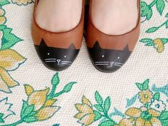 cat diy shoes from scathingly brilliant blog