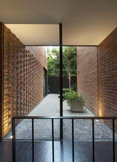 Mexico - Casa Atlas Brick Architecture, Sustainable Architecture, Amazing Architecture, Architecture Details, Interior Architecture, Brick In The Wall, Orange Brick, Brick Art, Tuile