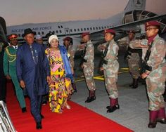 President Goodluck Jonathan  and Wife lands in South Africa (Photos)
