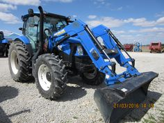 New Holland T6.150 equipped with 875TL Loader