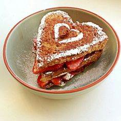 French toast, strawberries, nutella Funny Food, Food Humor, Pancakes For Dinner, Food Art, Strawberries, Nutella, Waffles, Breakfast Recipes, French Toast