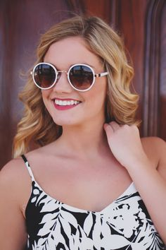 Vintage Inspired Iconic Metal Round Frame Sunglasses - UOIOnline.com : Online Women's Boutique