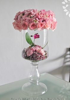 Simple yet Beautiful Low Centerpieces, Centrepieces, Pink Flower Arrangements, Magnolia, Corporate Flowers, Creative Decor, Flower Wall, Flower Designs, Pink Flowers