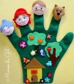 Make Bible character puppets using finger mittens Puppet Crafts, Felt Crafts, Crafts To Make, Crafts For Kids, Diy Crafts, Felt Puppets, Felt Finger Puppets, Felt Stories, Felt Books