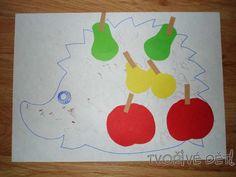 lepíme ovoce na ježka