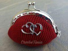 Monedero rojo con corazones