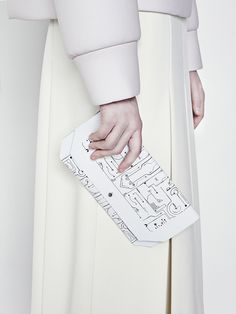 Minimalist bag with hi-tech print; contemporary fashion details // Cres. E Dim FW14