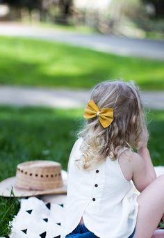 Two Minute DIY Leather Bow Clips | Say Yes » Crafty | Bloglovin'