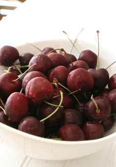 Top 10 Health Benefits of CHERRIES: A True Superfruit