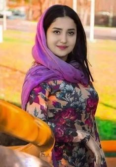 Beautiful Muslim Women, Beautiful Indian Actress, Girl Pictures, Girl Photos, Bun Hairstyles For Long Hair, Beautiful Girl Photo, Girl Hijab, Muslim Girls, Girls Dpz