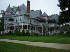 The Heather House, a beautiful home in the Queen Anne Victorian style, overlooks the busy St. Clair River in Marine City, Michigan. It took two years to build and was completed in 1888. It is now a Bed and Breakfast.